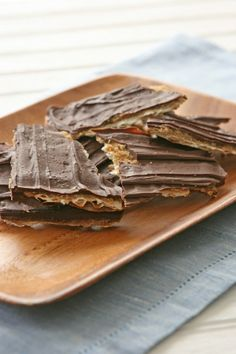 Passover Chocolate-Covered matazo toffee, Caramelized Matzoh Crunch ...