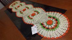 http://www.elo7.com.br/trilho-para-mesa-com-5-rosas/dp/3FEBA3