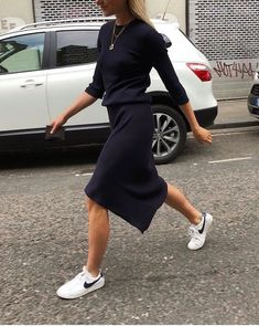 (photo Freja Wewer) - - Fashion, Things to Wear and Style - Kleidung Sneakers Fashion Outfits, Mode Outfits, Skirt Outfits, Casual Outfits, Sneaker Outfits Women, Outfits 2016, Classic Outfits, Fashion Clothes, Skirt And Sneakers