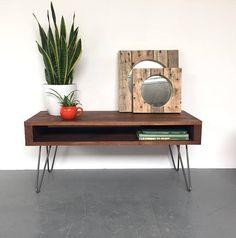 Oldfield kleine hoge koffietafel TVs met drie schappen op