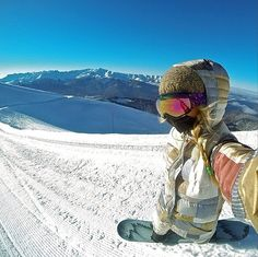 Snowboarder Hannah Teter showed us Sochi's ideal mountain conditions. Source: Instagram user hannateter
