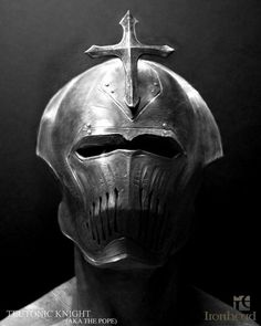 teutonic knight by ironhead studio http://www.sculptclub.com/wp-content/gallery/130731-ironhead-studio/ironhead-studio-project.jpg
