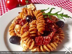 Nudelsalat Feta, Sheep Cheese, Pasta Al Dente, Pasta Salad Recipes, Tomato Paste, Penne, How To Cook Pasta, Salads, Cooking