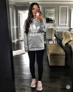 Flat lays come to life cute outfits мода Leggings Outfit Fall, Cute Outfits With Leggings, Sweater Dress Outfit, Sweatshirt Outfit, Dress Outfits, Black Leggings, Grey Sweatshirt, Lazy Day Outfits, Fall Outfits