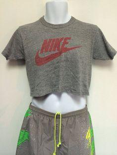 3ebeafc22617 NIKE 80 s Rayon Tshirt Vintage  RARE Pinwheel Era Tri Blend Cropped USA  Made T-shirt  Nike Orange Swoosh Label  Collector T-shirt Size Small