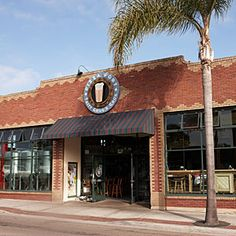 Pizza Port restaurant - Solana Beach, CA #ChampionsofHome #CleverGirls