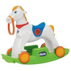 Игрушка каталка Лошадка-Качалка Rodeo 18 м,  Chicco Toys  — 8999р.  Малыши любят покачиваться сидя на полу  поэтому их приведет в восторг качалка в  виде лошадки, которая легко превращается  в каталку на колесиках. Игрушка воспроизводит  звуки топота копыт и ржания.