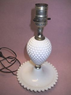 10-Vintage-FENTON-Milk-Glass-Hobnail-Electric-Table-Lamp-Needs-Shade