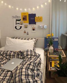 Room Design Bedroom, Room Ideas Bedroom, Small Room Bedroom, Bedroom Decor, Deco Cool, Study Room Decor, Indie Room, Minimalist Room, Aesthetic Room Decor