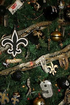 decorated new orleans saints christmas tree