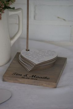 Alternative guestbook - Hearts on standard - .- Alternatief gastenboek – Hartjes op standaard – Alternative guestbook – Hearts on standard – – - Wedding Tips, Diy Wedding, Wedding Favors, Wedding Planning, Dream Wedding, Wedding Decorations, Wedding Day, Elegant Wedding, Wedding Messages
