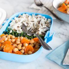 Dieser Wildreis mit gerösteten Kichererbsen und Möhren ist perfekt für deinen Meal Prep Plan: Einfach vorzubereiten, sättigend, köstlich und ganz vegan!
