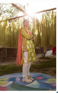 Pakistani Casual Wear, Pakistani Party Wear Dresses, Simple Pakistani Dresses, Pakistani Dress Design, Pakistani Outfits, Stylish Dresses For Girls, Stylish Dress Designs, Dress Neck Designs, Designs For Dresses