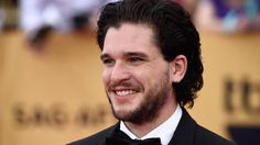 Jon Snow lives! And this time, there's a photo to prove his #GameOfThrones resurrection http://zap2.it/1MP9SXO