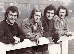 Keith Weller, Steve Whitworth, Peter Shilton & Frank Worthington - Leicester City - England call up by Don Revie - September 1974 Leicester City Football, Leicester City Fc, Retro Football, Football Team, Frank Worthington, Manchester Hotels, Blue Army, Team Player, Sports Stars
