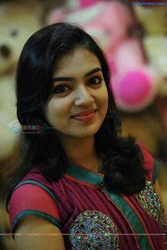Nazriya Nazim Latest HD Photoshoot Stills Beautiful Bollywood Actress, Most Beautiful Indian Actress, Cute Beauty, Beauty Full Girl, Nazriya Nazim, Actor Picture, Girls Selfies, Indian Beauty Saree, South Indian Actress