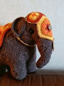 September 2016 The plan is to make this elephant look as though she's wearing a brightly-coloured saddle-cloth and head-plate, embellished with jewellery. (So although she's made from African flo. Crochet Elephant Pattern, Crochet Flower Patterns, Crochet Stitches Patterns, Crochet Designs, Stitch Patterns, Graphic 45, African Flower Crochet Animals, Easy Crochet Projects, Crochet Ideas