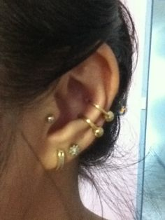 Got a second conch piercing. Pretty sure my first one is 16g and my new one is 14g, which is a bit odd. Hopefully it heals well coz my first one developed the dreaded bump.