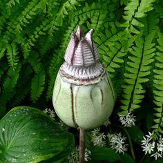"""Keramik - Gartenschmuckstück """"SAMENKAPSEL"""" r... - ein Designerstück von Brigitte_Peglow bei DaWanda"""