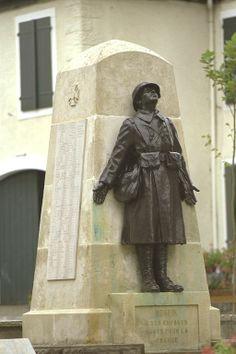 monument aux morts Monein 64 statue Ernest Gabard