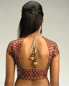 Blouse design, back. Except that this is again too low if I want to wear a normal bra.