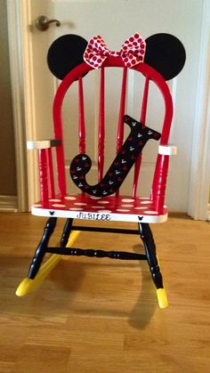 Minnie Mouse rocking chair!!! I have an old rocking chair I need to do this too except in pink & black <3