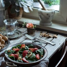 #healthy #lunch #sallad with #babyspinach, #strawberries and #walnuts.  #foodphotography #foodstyling #foodporn #food  #glutenfree #vegan #vegetarian #moody Baby Spinach, Food Styling, Strawberries, Vegan Vegetarian, Glutenfree, Food Photography, Cherry, Food Porn, Lunch