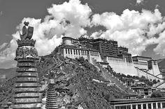 Potala Palace, Lhasa, Tibet by YoWangdu, via Flickr