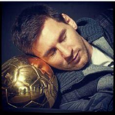 Why Does Lionel Messi Not Get Injured? The Secret is: Proper Nutrition and Regular Sleep   Messi Neden Sakatlanmıyor? İşte Sırrı: Doğru Beslenme ve Düzenli Uyku - http://nardayatak.blogspot.com/2013/05/lionel-messi-neden-sakatlanmyor.html