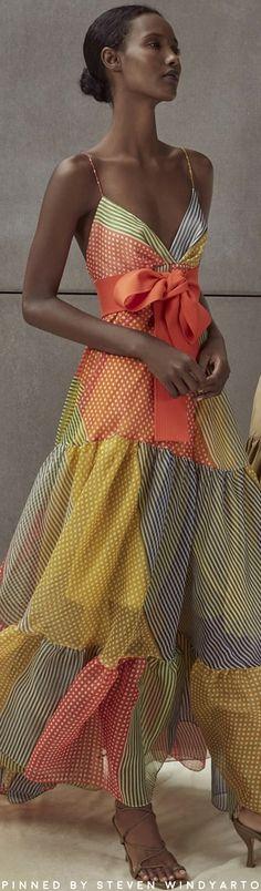 Silvia Tcherassi Spring 2020 Silvia Tcherassi Tomasa Silk Dress Size: XS Source by sandals outfit summer Fashion Week, Fashion 2020, Spring Fashion, Womens Fashion, Style Couture, Couture Fashion, Pretty Dresses, Beautiful Dresses, Silk Dress