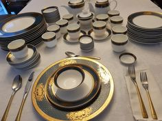 Plates, Tableware, Kitchen, Dinnerware, Licence Plates, Dishes, Cooking, Plate, Kitchens
