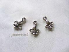 5pcs Antique Silver Mini Fleur de lis Charm by SilverCharmsShop