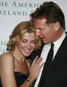 Liam Neeson and Natasha Richardson Married July 1994 - March (her death). She is the daughter of Vanessa Redgrave. She died in a skiing accident sadly Hollywood Couples, Celebrity Couples, Hollywood Stars, Celebrity Weddings, Liam Neeson, Natasha Richardson, Famous Couples, Couples In Love, Power Couples