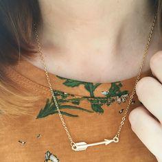 Collar Flecha de www.misscaracola.com #fashion #looks #love