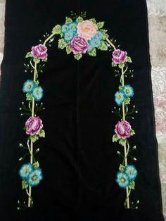 HUZUR SOKAĞI (Yaşamaya Değer Hobiler) Prayer Rug, Cross Stitch Flowers, Crochet Necklace, Ribbon, Canvas, Jewelry, Crochet Flowers, Needlepoint, Dots