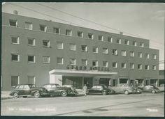 GRAND HOTELL, STEINKJER med biler. Utg Mittet datert 1954, Multi Story Building