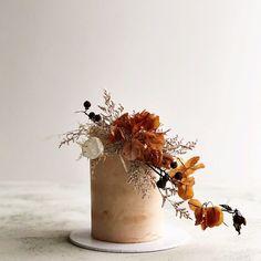 wedding present diy Naked Wedding Cake, Fall Wedding Cakes, Wedding Cake Designs, Wedding Desserts, Autumn Wedding, Boho Wedding, Rustic Wedding, Wedding Flowers, Pretty Cakes