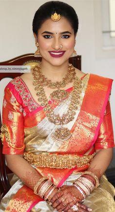 bridal jewelry for the radiant bride Indian Bridal Fashion, Indian Wedding Jewelry, Bridal Jewellery, Lehenga Saree Design, Saree Blouse Designs, Bridal Looks, Bridal Style, Bride Pictures, Hindu Bride
