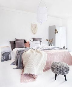 Calming colours used in this bedroom   @norske_interiorblogger