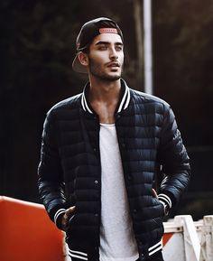 20 | † | Artist | Model | Menswear & Travel. Business to: info@toni-mahfud.com Snapchat: realtonimahfud Germany, Hamburg.