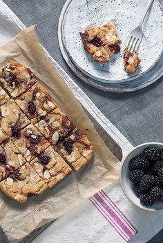 Blackberry Caramel Blondies recipe | HELLO!