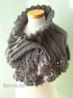 """Knit Capelet"" Knitted Las' Cape Pattern by Moda Dea - FREE"