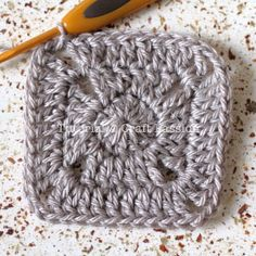 Free Solid Granny Square crochet pattern and detail pictures of the block. Join up the squares to make a bigger project or simply use it individually. – Page 2 of 2