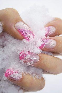 Winter snowflake nail art desgin ideas 9