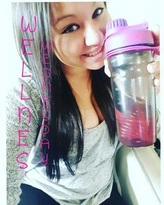 #WellnessWednesday  DID YOU KNOWWW Fat cells protect the body by absorbing toxins. What Plexus does is go in and detoxes  the fat cells causing them SHRINK. The toxins are then flushed out of your body♡♡ When you drink the Pink Drink it breaks down sugars in the body filtering thru the liver before it hits the pancreas. When your pancreas is no longer overwhelmed it releases access and stored fat from the bodyy♡♡  Plexusslim.com/kellicinco