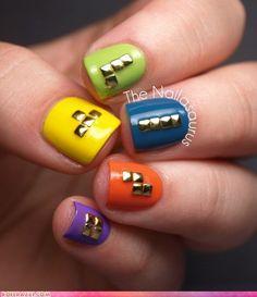 uñas con clavos tetris
