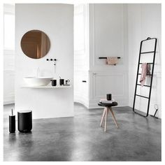 'Minimal Interior Design Inspiration' is a biweekly showcase of some of the most perfectly minimal interior design examples that we've found around the web - Interior Design Examples, Interior Design Inspiration, Design Ideas, White Interior Design, Interior Modern, Interior Styling, Design Trends, Bad Inspiration, Bathroom Inspiration