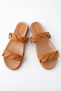 If on-trend slides have you swooning, you need the Lulus Monica Tan Slide Sandals in your life! Vegan leather sandals have braided straps and a smooth insole. Bling Sandals, Toe Loop Sandals, Tan Sandals, Leather Sandals, Sandal Heels, Flats, Giuseppe Zanotti Heels, Fashion Heels, Teen Fashion Outfits