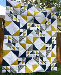 ⁠ 💛⁠ Today's tag is by and her fabulous colours Stacy! Free Motion Quilting, Longarm Quilting, Modern Quilting Designs, Modern Quilt Patterns, Quilt Block Patterns, Modern Quilt Blocks, Triangle Quilt Pattern, Half Square Triangle Quilts, Patch Quilt