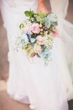 Pastel Wedding Bouquet | Pastel Wedding | Summer Wedding | Image by Ferri Photography | http://www.rockmywedding.co.uk/kerry-ben/